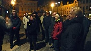 Tagungsmitglieder während der Stadtführung am Samstagabend